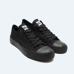 Sepatu-Warrior-Sparta-Low-All-Black-1-b