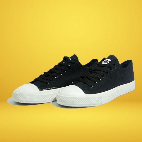 sepatu-warrior-sparta-low-hitam-yk-raya